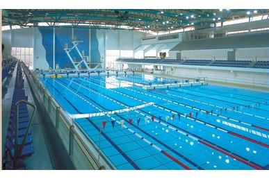 Mäkelänrinteen uimahalli pysäköinti